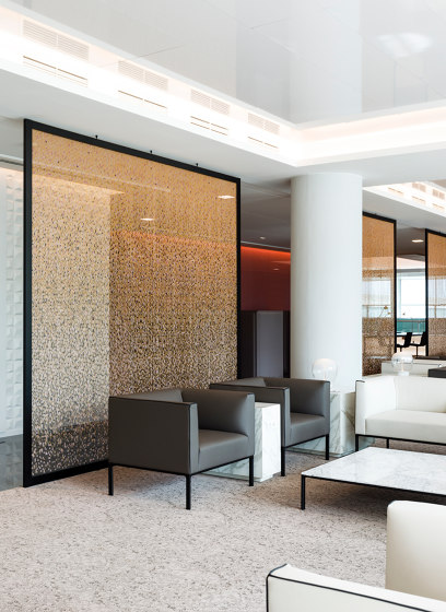 Space dividers by Kriskadecor | Metal meshes
