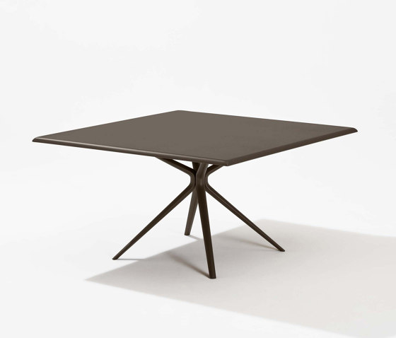 Moai square table by Fast | Dining tables