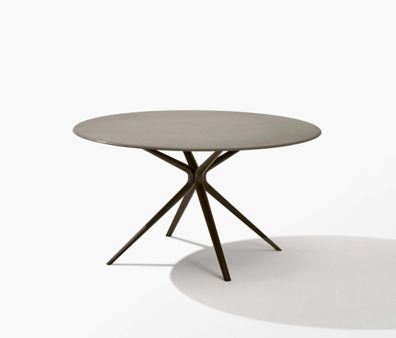 Moai round table with stone top by Fast | Dining tables