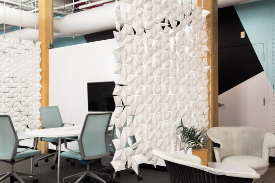 Facet Hanging Room Divider - 204x359cm by Bloomming | Folding screens