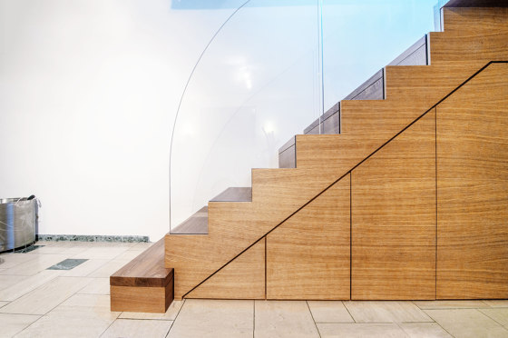 Zig-Zag Case by Siller Treppen | Staircase systems
