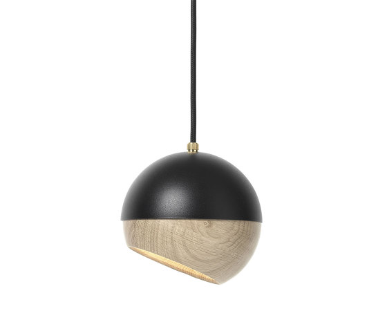 Ray Pendant Lamp - Small - Black di Mater | Lampade sospensione