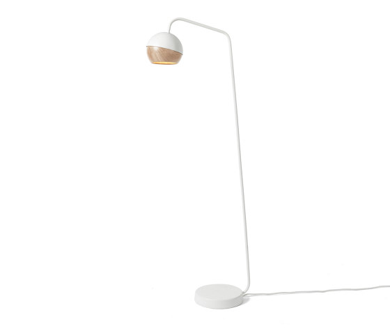 Ray Floor Lamp - White di Mater | Lampade piantana