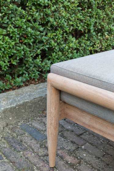 BuzziNordic ST900 by BuzziSpace   Benches