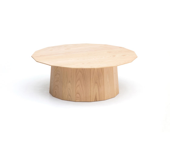 Colour Wood Plain XL de Karimoku New Standard   Mesas de bistro
