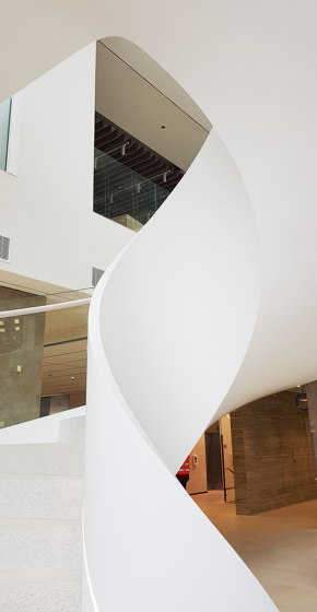 Churchill staircase by AMOS DESIGN | Staircase systems