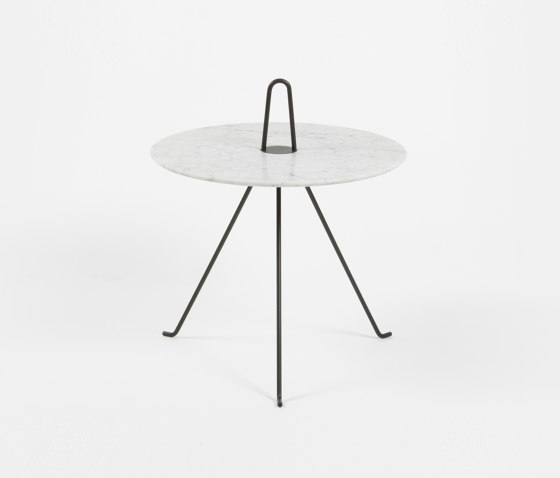 Tipi - 37cm/Marble by Objekto | Side tables