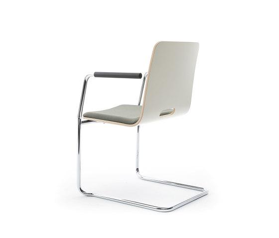 sitting smartF | Cantilever with integrated armrests de lento | Sillas