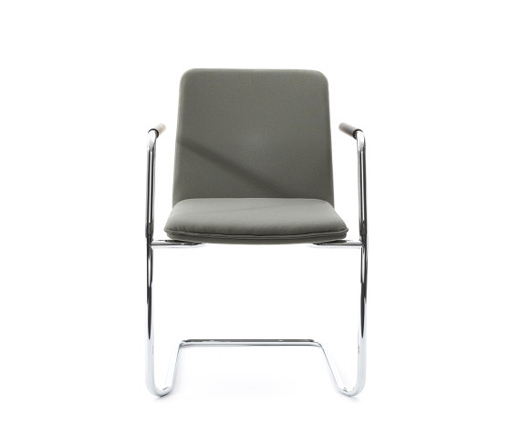 sitting smartF | Cantilever with integrated armrests by lento | Chairs