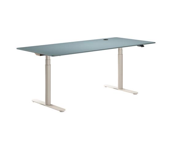 HiLow 2 | Height-adjustable work desks di Montana Furniture | Tavoli contract