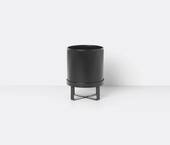 Bau Pot - Small - Black de ferm LIVING | Pots de fleurs