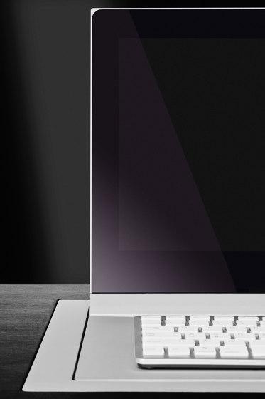 Dynamic3 by Arthur Holm | Flat screens