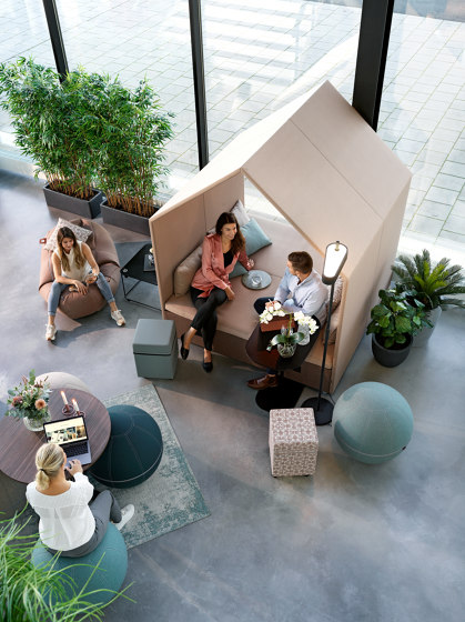 The Hut Lounge  + Double Bench Cover by Götessons   Office Pods
