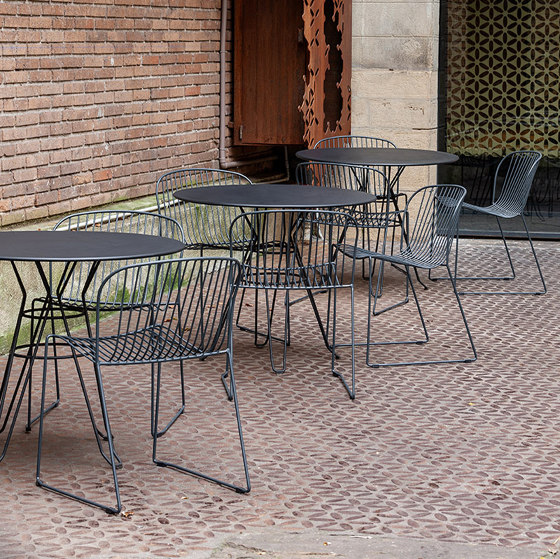 Capri by iSimar | Bistro tables