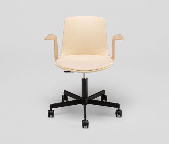 Lottus Office chair - with wooden arms de ENEA   Sillas de oficina