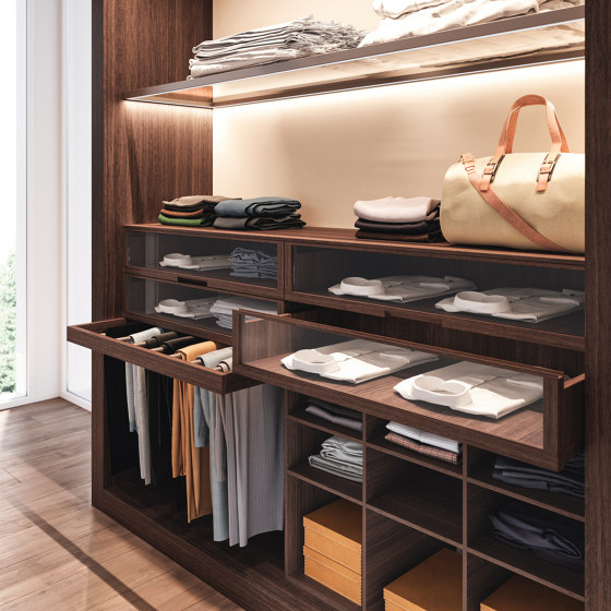 Closet de Estel Group | Percheros