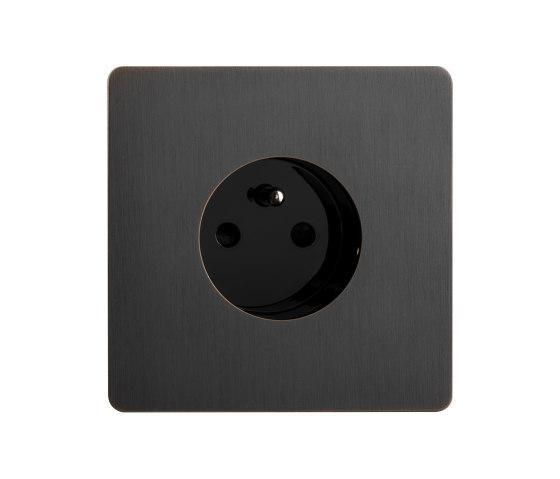 Noor - Medium bronze - Socket by Atelier Luxus | Schuko sockets