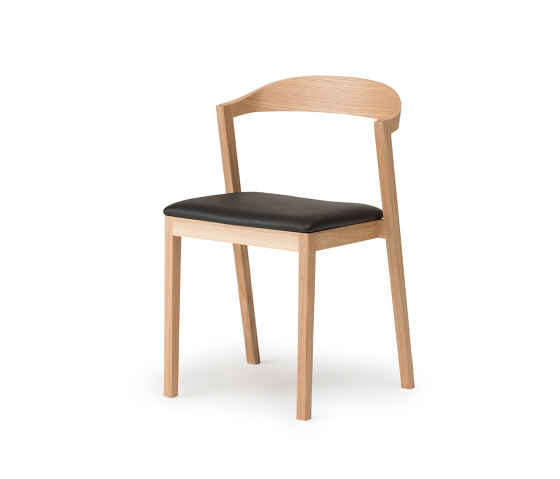 Kiila Stacking Chair - Upholstered de Conde House | Sillas