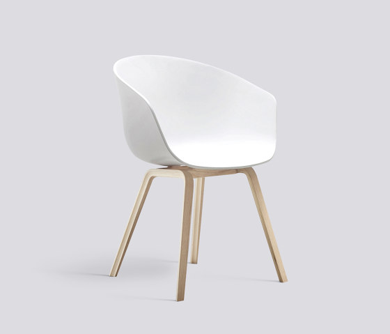 About A Chair AAC22 de HAY   Sillas
