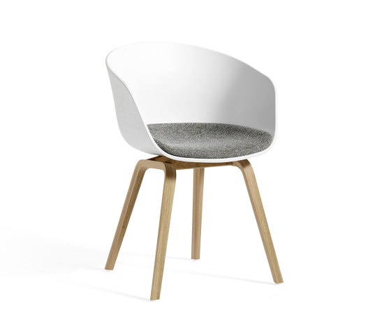About A Chair AAC22 de HAY | Sillas