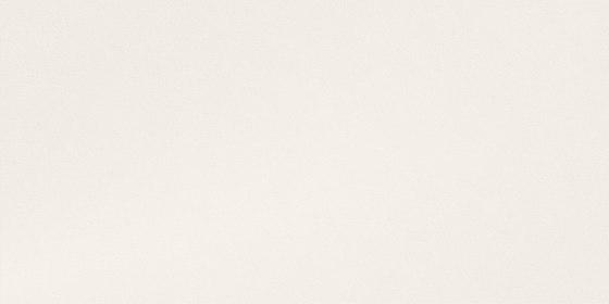 Silk iTOP Blanco Bush-hammered de INALCO | Panneaux matières minérales