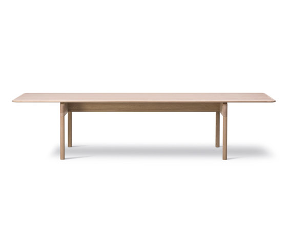 Post Table by Fredericia Furniture   Dining tables