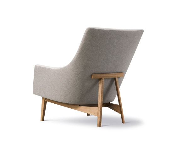 A-Chair Wood Base di Fredericia Furniture | Poltrone