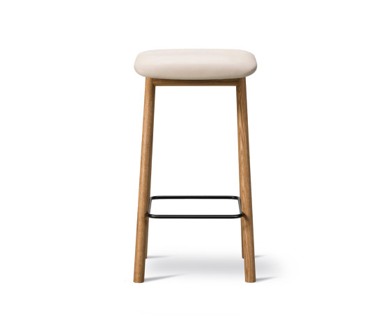 Yksi Stool (Seat upholstered) by Fredericia Furniture | Bar stools