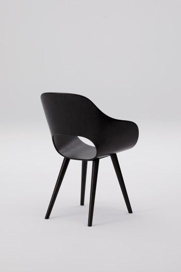 Roundish Armchair (wooden seat) de MARUNI | Sillas