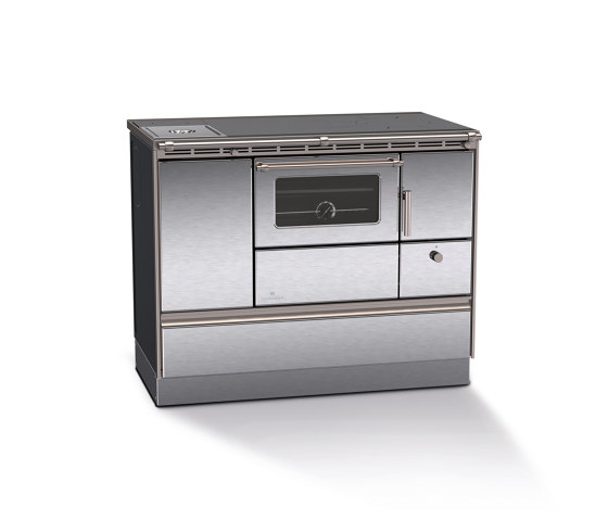 Rega 105 by Lohberger | Wood fired stoves