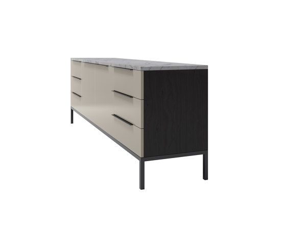Higher Love | All Night Long Sideboard di CRISTINA JORGE DE CARVALHO COLLECTIONS | Credenze