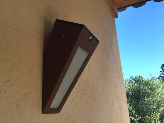 SOLAR wall lamp | APS 020 by LYX Luminaires | Outdoor wall lights