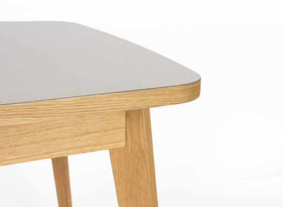 Usus Table Linoleum de bartmann berlin | Mesas comedor