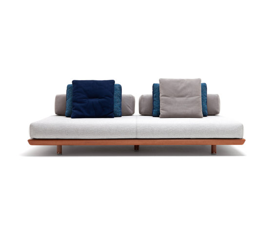 10th Caprera Sofa by Exteta | Sofas