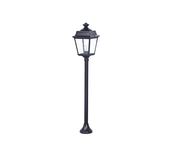 Place des Vosges 1 Tradition Model 10 by Roger Pradier | Outdoor floor-mounted lights