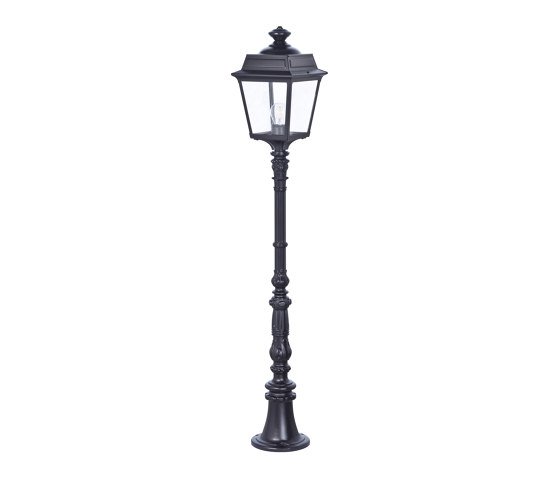 Place des Vosges 1 Tradition Model 11 by Roger Pradier | Outdoor floor-mounted lights