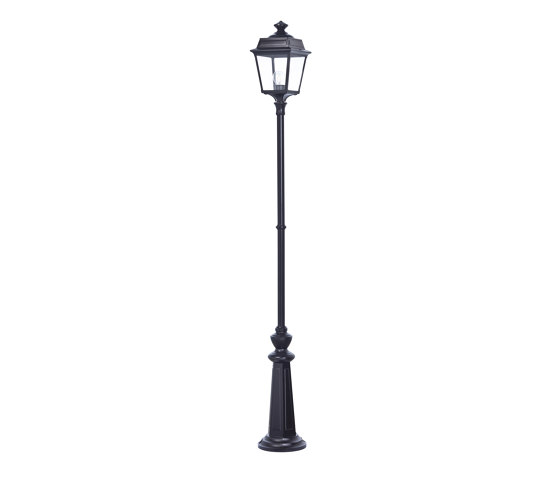 Place des Vosges 1 Tradition Model 12 by Roger Pradier | Outdoor floor-mounted lights