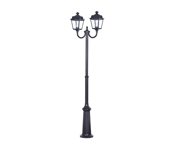 Place des Vosges 1 Tradition Model 13 by Roger Pradier | Outdoor floor-mounted lights
