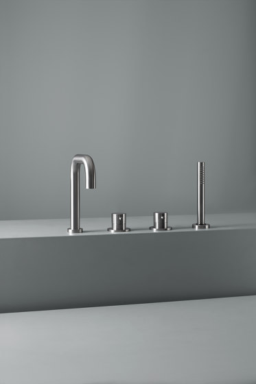 Ottavo   Stainless steel Rim mounted mixers set with spout and hand shower by Quadro   Bath taps