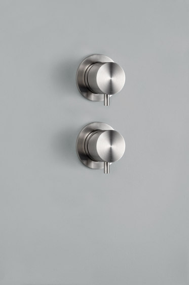 Source | Stainless steel Built-in mixer set with 2 way diverter by Quadrodesign | Shower controls