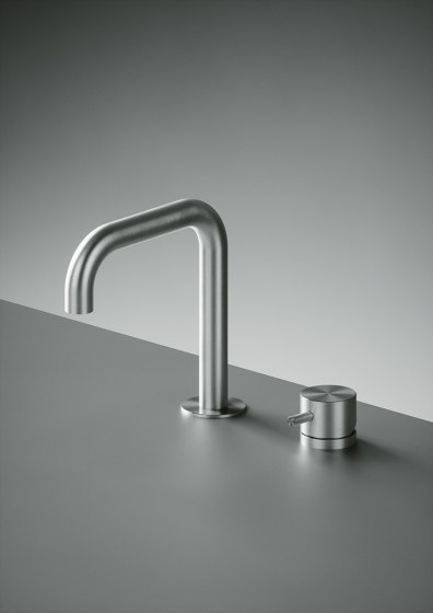 Source | Two-hole mixer with swivelling spout by Quadrodesign | Wash basin taps