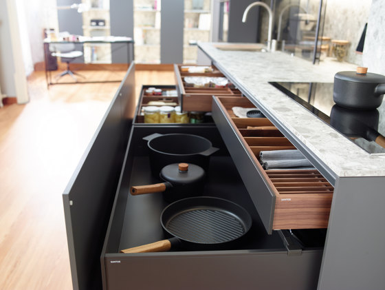 Customisable drawers and bins FINE by Santos | Kitchen organization