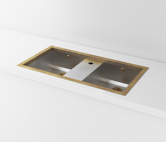 DOUBLE BOWL SATIN STAINLESS STEEL BUILT-IN SINK LVQ067 by Officine Gullo | Kitchen sinks