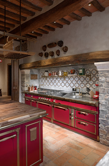 CHIANTI RED & BURNISHED BRASS KITCHEN by Officine Gullo | Fitted kitchens