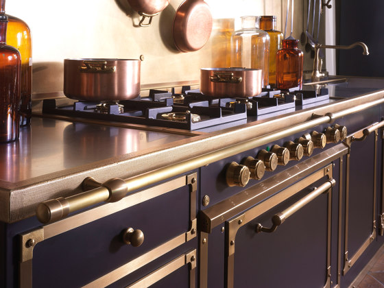 CIOCCOLATO & BURNISHED BRASS KITCHEN by Officine Gullo | Fitted kitchens