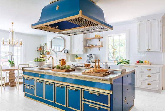 OCEAN BLUE AND BURNISHED BRASS KITCHEN by Officine Gullo | Fitted kitchens