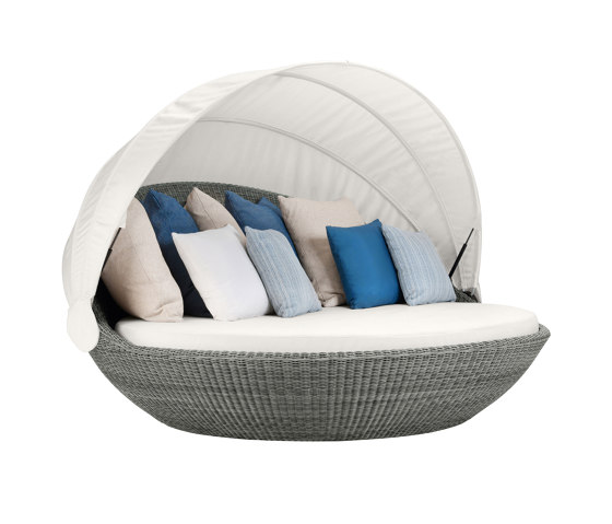 PIVOT SWIVEL DAYBED by JANUS et Cie | Seating islands