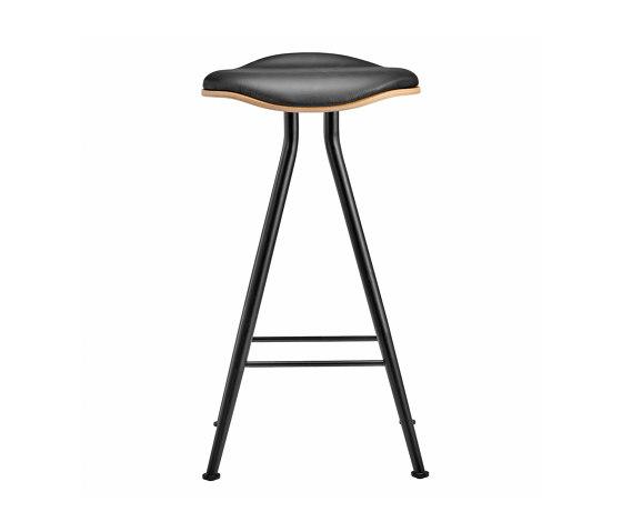 Barfly Bar Chair, Black Frame - Natural Seat / Premium Leather Black, Low 67 cm di NORR11 | Sgabelli bancone