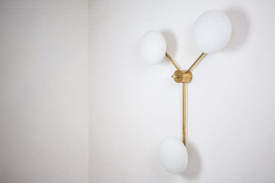 Stella Triennale de DESIGNforMACHA | Lámparas de pared