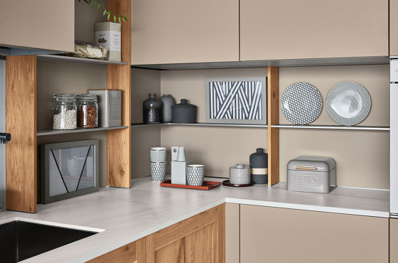 Stepsystem Reverse by Veneta Cucine | Kitchen organization